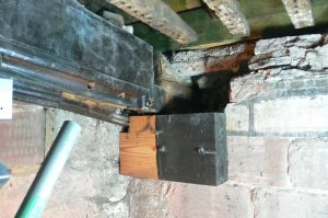 Truss end to be repaired and treated Temporary support to be removed after repairs